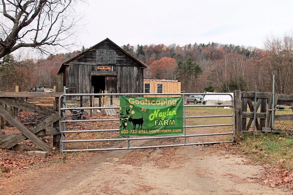 Naylen-Barn-farm-gate